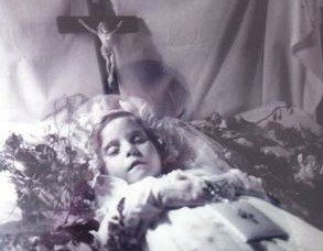 Little_Nellie_of_Holy_God2
